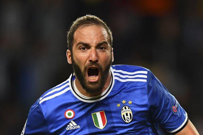 Higuain przechytrzył Glika. Juventus o krok od finału Ligi Mistrzów (VIDEO)