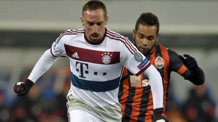 To byłby sensacyjny transfer. Ribery dostał ciekawą ofertę. Bayern nie mówi