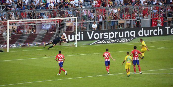 Milik zmarnował rzut karny! Napoli uległo Atletico Madryt (VIDEO)