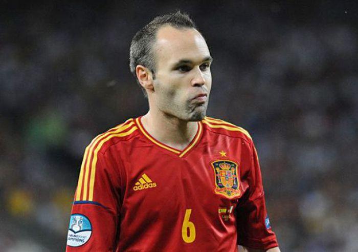 Kolejna nieudolność działaczy FC Barcelony! Iniesta odejdzie?