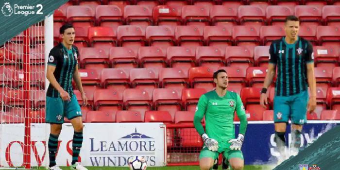 Bednarek zagrał z Van Dijkiem w ekipie U-23. Southampton straciło cztery gole (VIDEO)