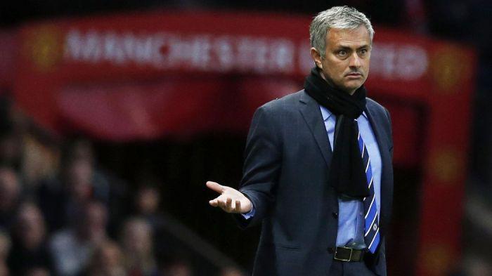 Mourinho chce potężnie wzmocnić pomoc. Jest dwóch faworytów