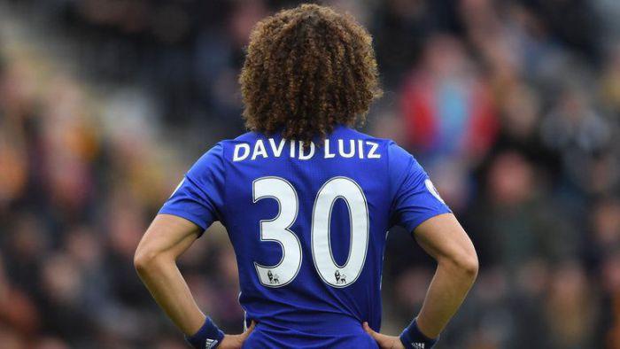 David Luiz zrobi psikusa Chelsea? Chce go wielki klub!