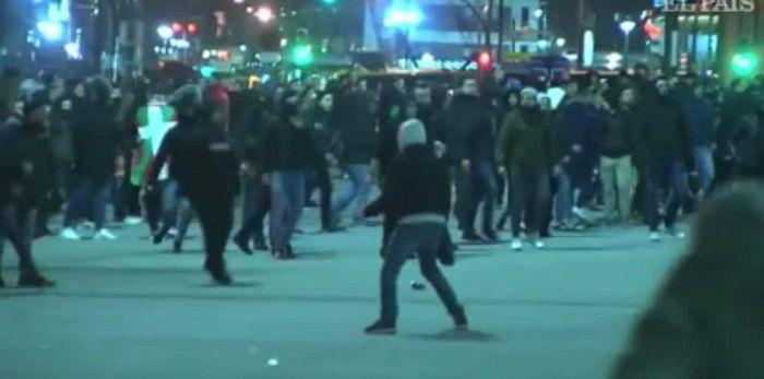 Tragiczny finał starć kibiców przed meczem Athletic Bilbao - Spartak Moskwa. Jeden z policjantów nie żyje