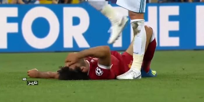 Salah sam jest sobie winien kontuzji w starciu z Ramosem? Jest nowe nagranie (VIDEO)