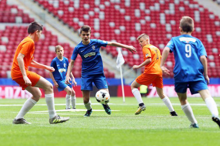 W całej Polsce trwa rywalizacja młodych piłkarzy o finał na Narodowym