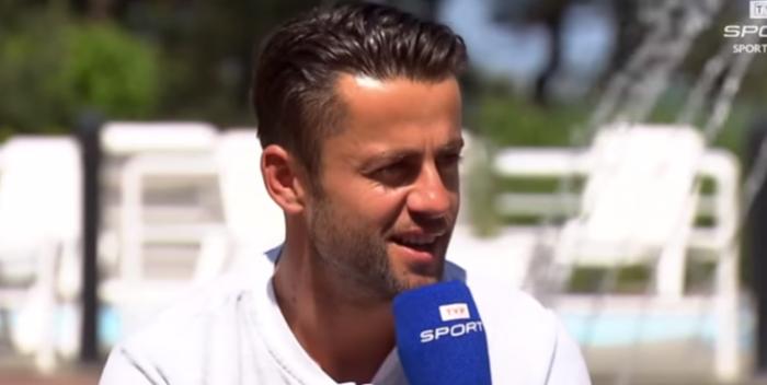 Fabiański wygrywa starcie z Bednarkiem w Premier League