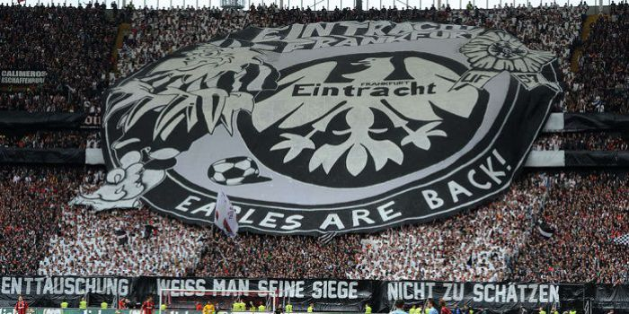 Piękny gest kibiców... Eintrachtu Frankfurt. Ich bilety na finał Ligi Europy się nie zmarnują, a nawet dadzą mnóstwo radości