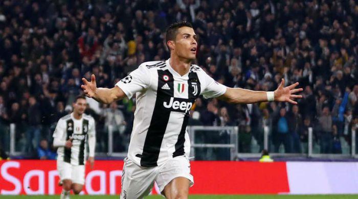 Portugalskie media. 9-letni syn Cristiano Ronaldo zmieni barwy klubowe?