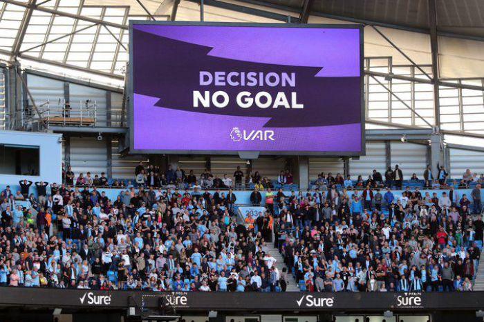 Dwa oblicza gigantów w hicie Premier League, czujne oko VAR i w efekcie remis na Etihad Stadium