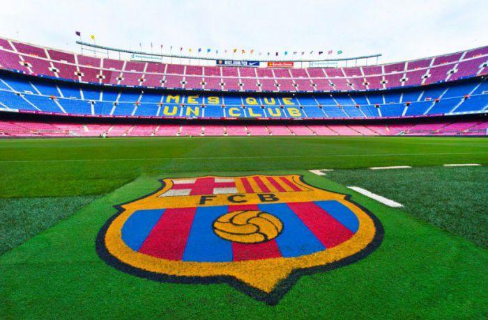 Dembele po raz kolejny zakpił sobie z działaczy Barcelony. Wielka kłótnia dyrektora klubu z piłkarzem i jego agentem