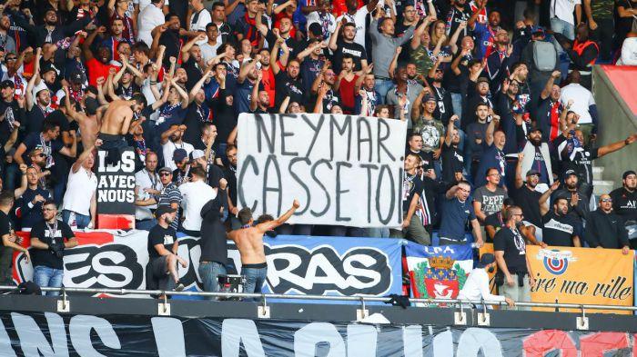 Neymar musi zatkać uszy i nie spoglądać na trybuny. Fani PSG szykują mu niemiłe powitanie