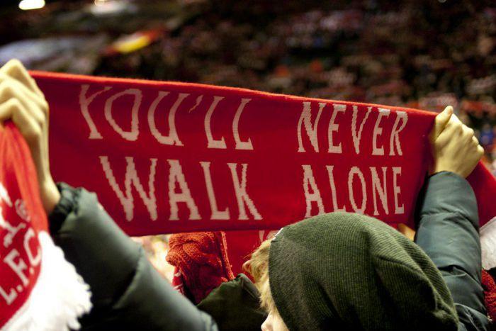 Kibice Liverpool FC pomylili... miasta i nie dotarli na mecz The Reds. Kapitalny gest belgijskiego klubu!