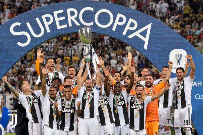 Pomocnik Juventusu FC doznał kontuzji w meczu eliminacji do ME 2020 z Włochami