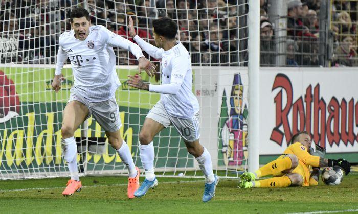 Robert Lewandowski z kolejnym golem. 18-letni debiutant z ławki uratował  w doliczonym czasie Bayernowi zwycięstwo! (VIDEO)