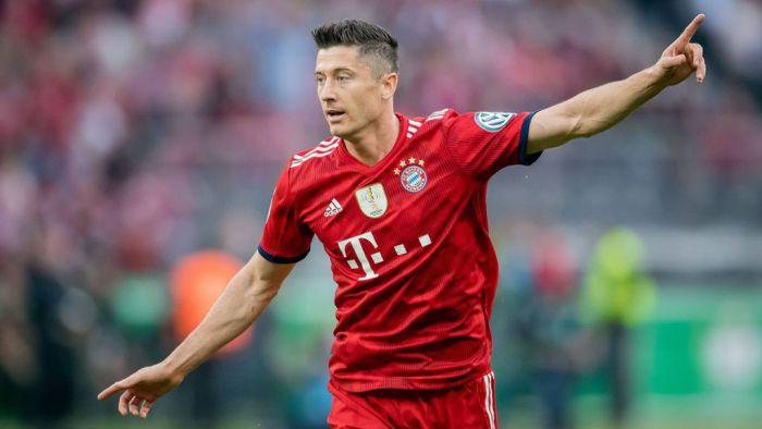 Robert Lewandowski w najlepszej jedenastce zawieszonej Ligi Mistrzów! Reprezentant Polski lepszy od Leo Messiego