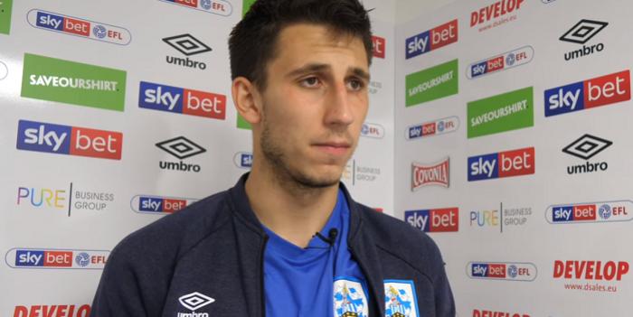 Kamil Grabara do szkoleniowca Huddersfield Town: Jak chcesz mnie odpalić, to mi powiedz