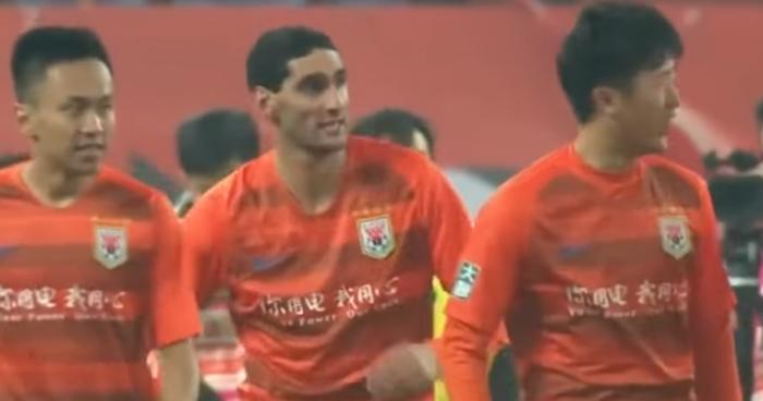 Marouane Fellaini wygrał walkę z koronawirusem. Piłkarz chińskiego Shandong Luneng wyszedł ze szpitala