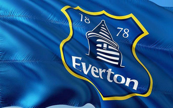 Everton zaoferował 45 milionów euro Napoli. Chodzi o transfer pomocnika, z którym bardzo dobrze zna się Ancelotti