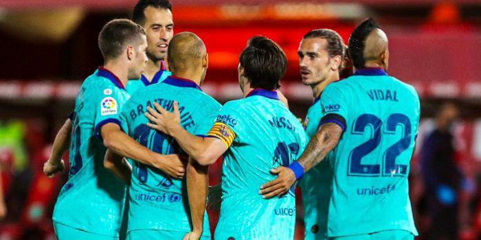 FC Barcelona walczy o mistrzostwo Hiszpanii. Kapitalne gole Griezmanna i Suareza (VIDEO)