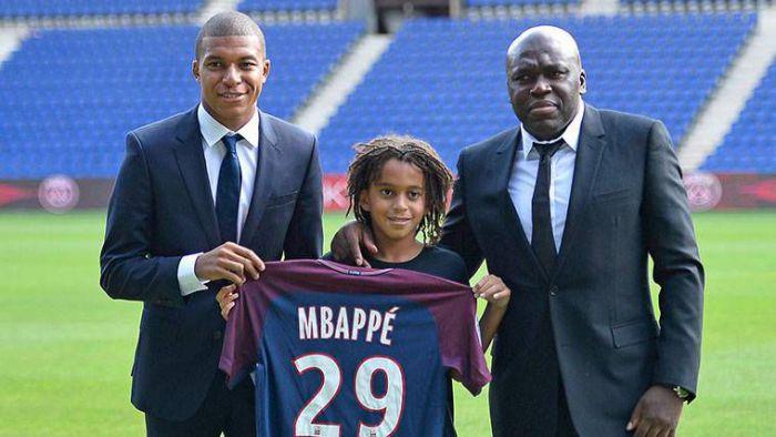 Nowe informacje na temat przyszłości Kyliana Mbappe! O wszystkim powiedział dziennikarz El Chiringuito