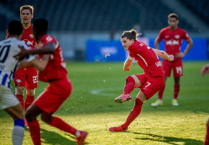 Fenomenalny gol w Bundeslidze! Bomba, petarda, rogal, tomahawk... (VIDEO)