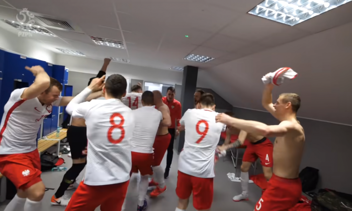 Ależ zagrali, ależ się bawili! Kulisy awansu reprezentacji Polski na Euro! (VIDEO)
