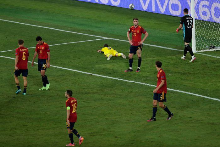 Hiszpanie rozczarowali na początek. Byli blisko porażki ze Szwecją, byli też blisko zwycięstwa... (VIDEO)